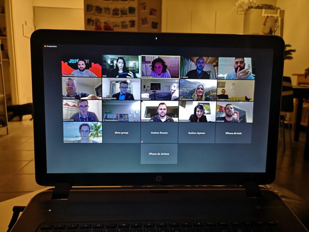 capture d'écran avec vignettes des participants à la visio conférence